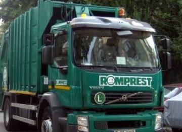 Oneştenii, datori la gunoi din cauza fostei administraţii