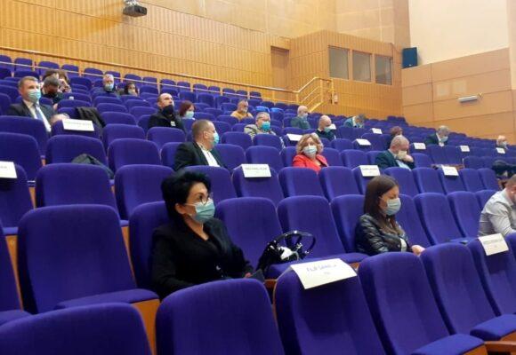 Oneştenii se iau la harţă în Consiliul Judeţean Bacău